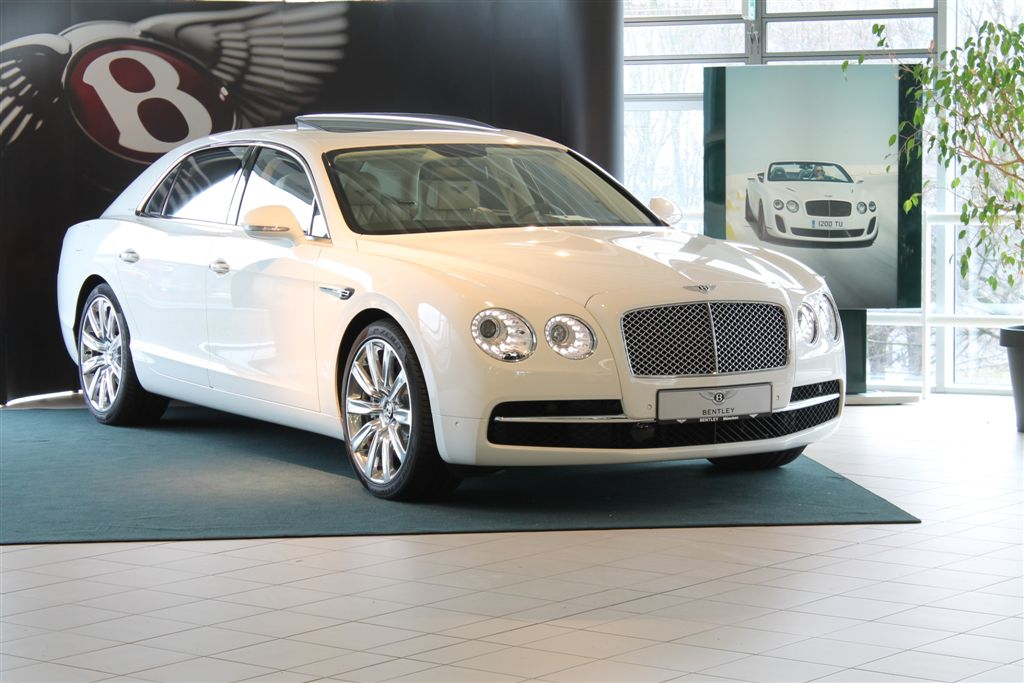 Bentley Flying Spur Blanc  PHASE 2 ( Nouveau modèle)